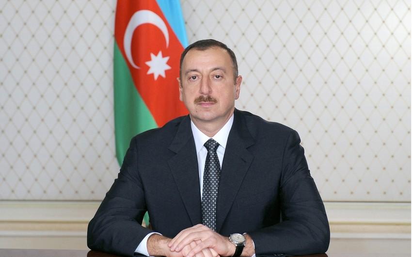 Президент Ильхам Алиев поздравил сотрудников и ветеранов органов прокуратуры