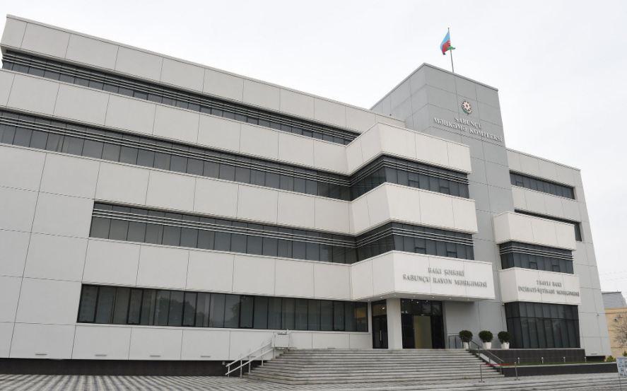 В Сабунчинском суде на судью и прокурора оказано физическое давление