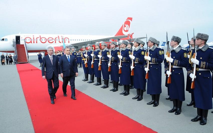 Macarıstanın baş naziri Azərbaycana rəsmi səfərə gəlib