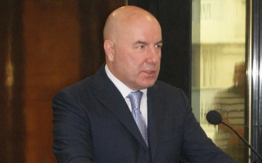 Elman Rüstəmov: Bankların ani likvidliyi iki dəfə artıqdır