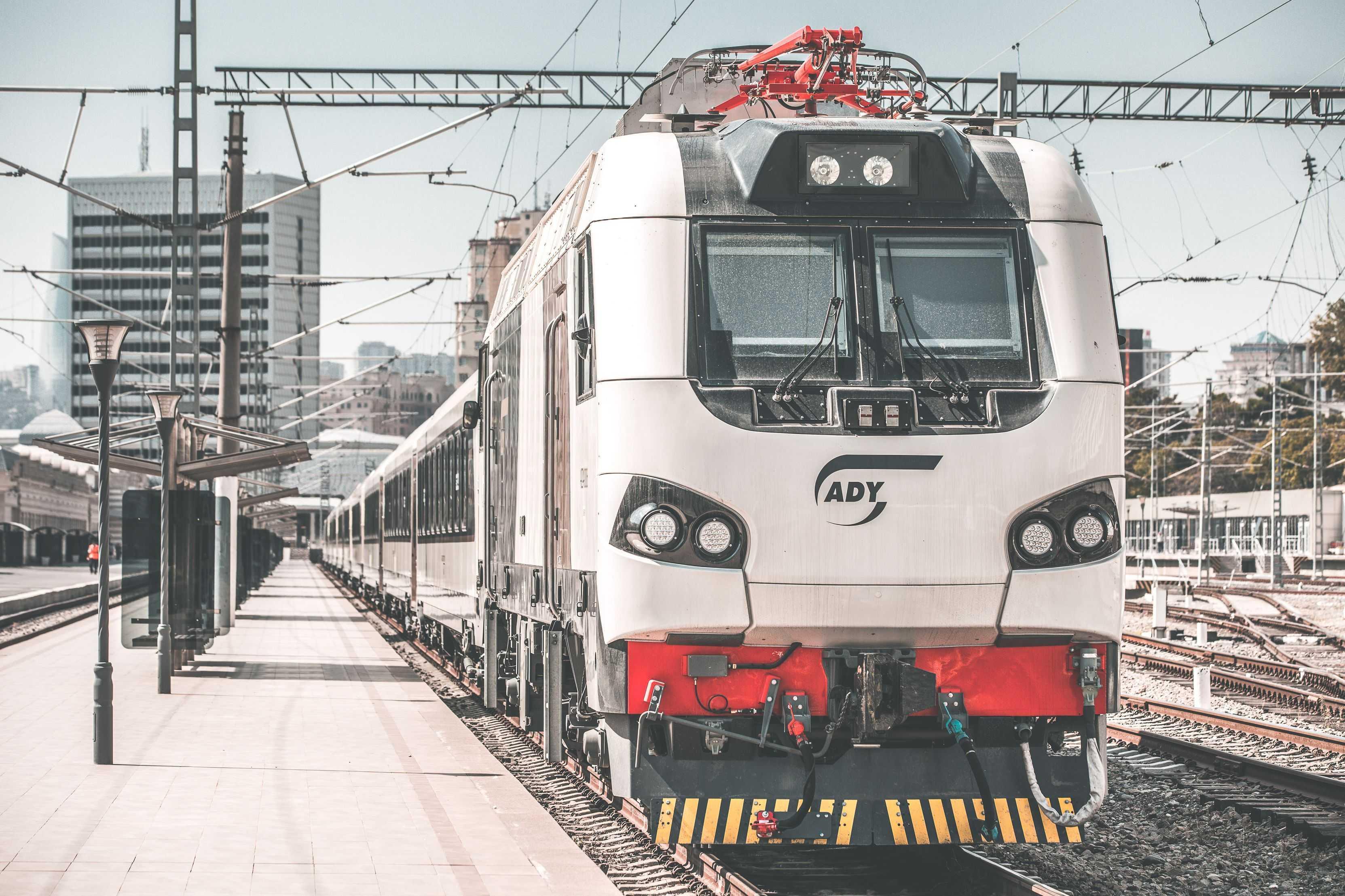 В Азербайджане введут услугу онлайн-возврата железнодорожных билетов