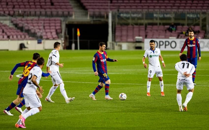Son 10 ildə eyni klubda ən çox oynayanlar: Messi qapıçılarla eyni sırada