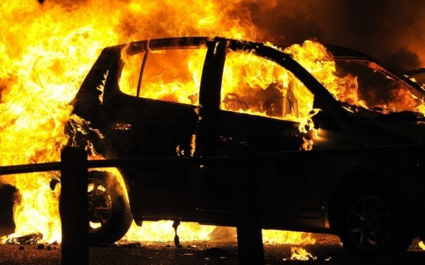Hacıqabulda minik avtomobili yanıb