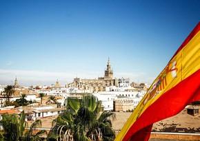Испания вводит обязательный карантин для туристов из 12 стран