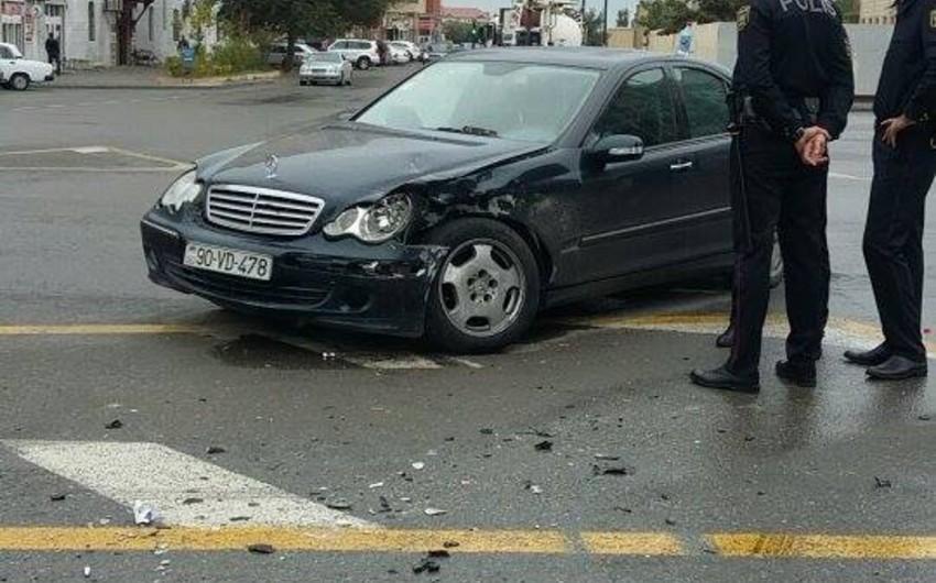 Rayon İcra Hakimiyyətinin qarşısında yol qəzası baş verib - FOTO