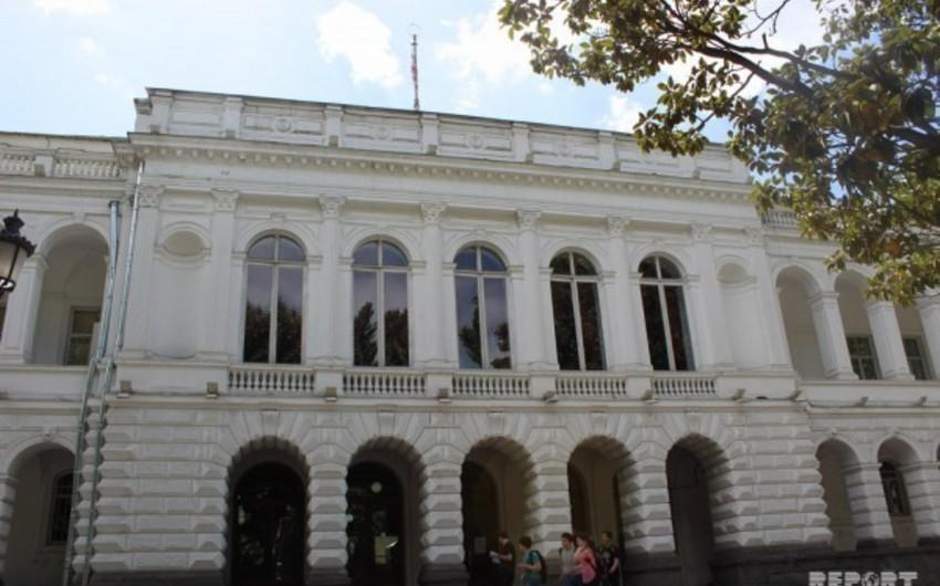 AXC-nin elan olunduğu bina bərpa edilir