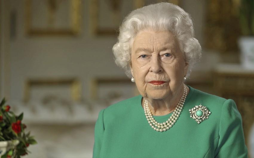 Kraliça ABŞ prezidentini Vindzor sarayına dəvət edib