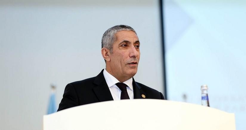 Siyavuş Novruzov Milli Məclisdə hesabat verdi