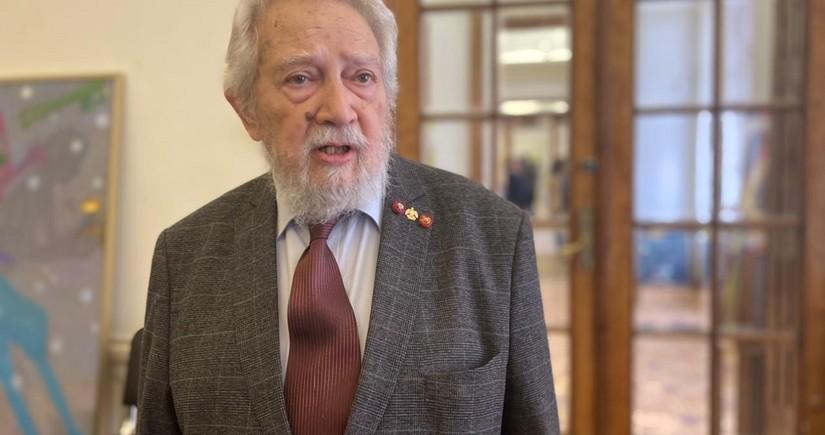 Rusiyalı sənətşünas: Tahir Salahov əfsanədir
