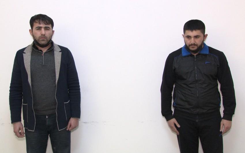 Bakıda onlayn narkotik satmaq istəyən qardaşlar saxlanıldı - VİDEO