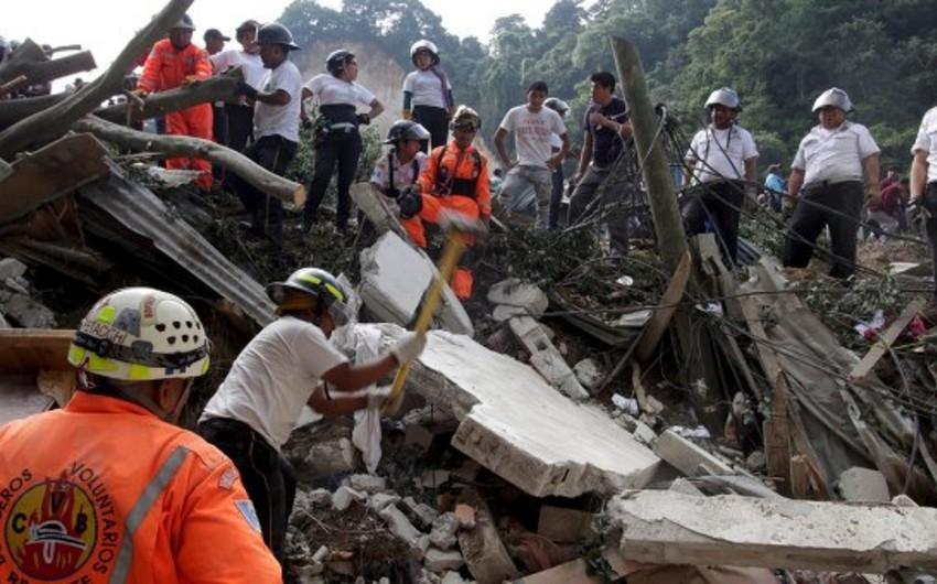 Qvatemalada sürüşmə nəticəsində ölənlərin sayı 102-ya çatıb