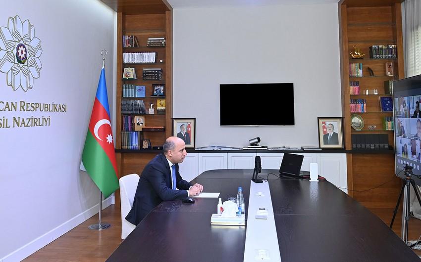 Emin Əmrullayev rektorlarla görüşüb