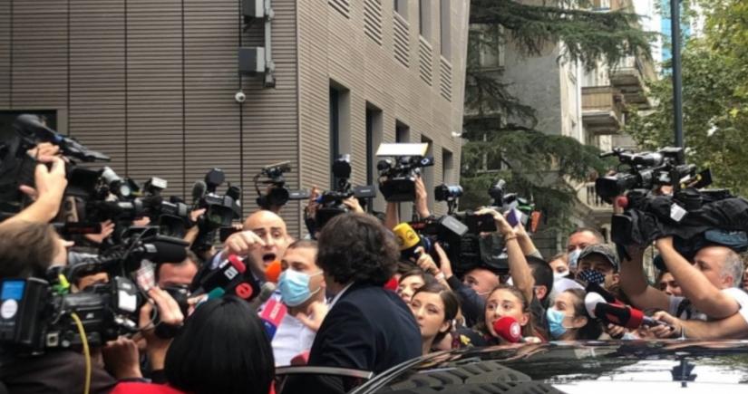 Gürcüstanın hakim və müxalifət partiyalarının sədrləri arasında dava olub