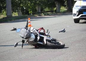 В Баку мотоциклист совершил ДТП