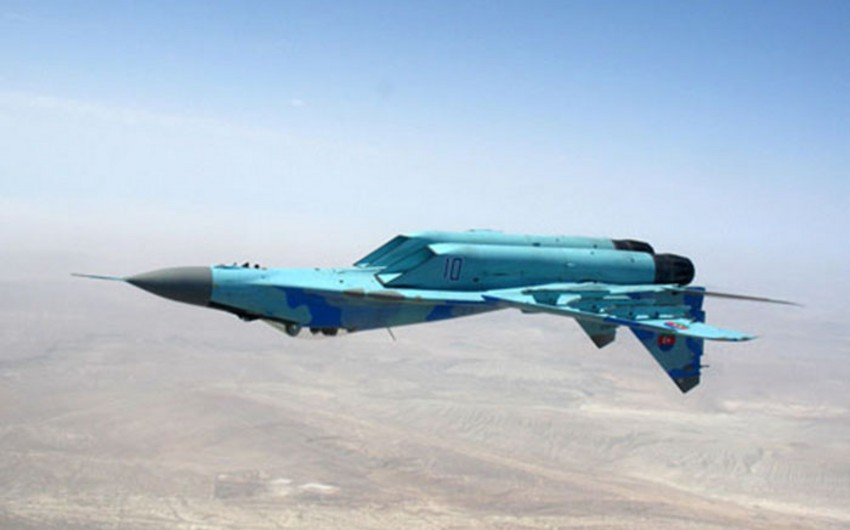 Azerbaijani Air Forces conduct  training flights - VIDEO