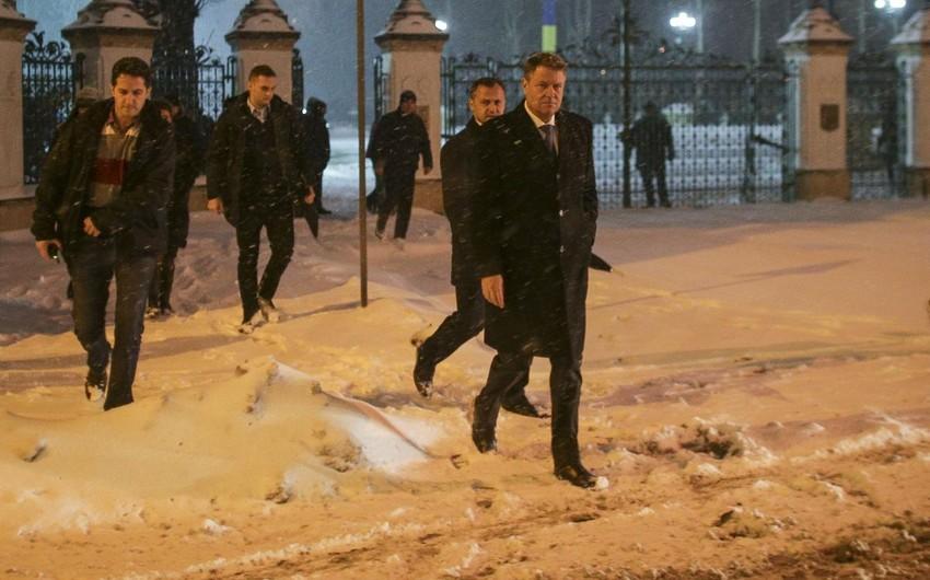 Rumıniyada etirazçılar onlarla görüşə gələn prezidentlə dialoqdan imtina ediblər