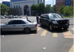 Car escorting Nikol Pashinyan crashes in Yerevan