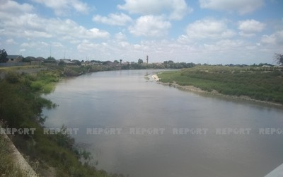 Water level rises in Kur, with river currently flowing into sea
