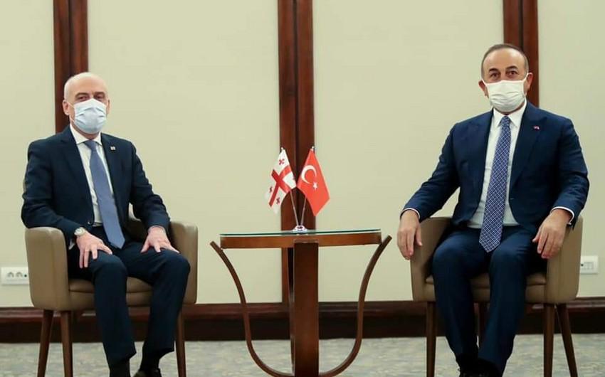 <p><strong>Türkiyə və Gürcüstan XİN başçıları regional məsələləri müzakirə ediblər</strong></p>