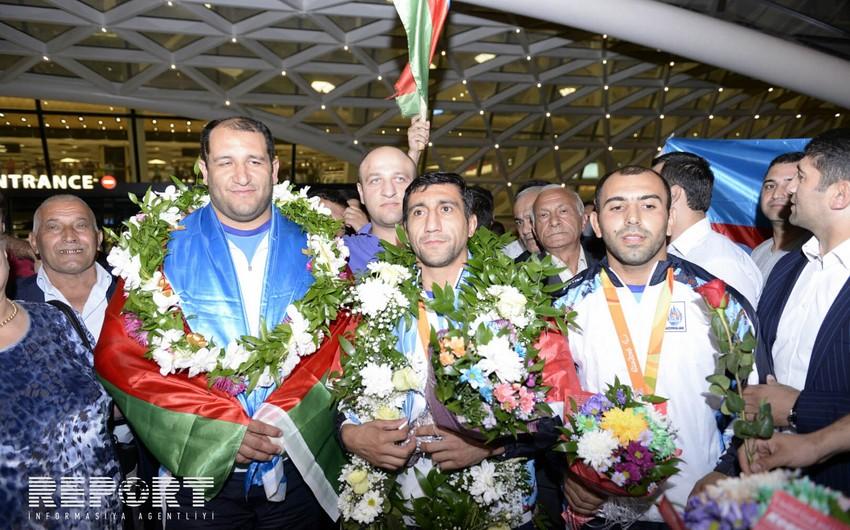 Azərbaycan paralimpiyaçıları ölkəyə qayıdıb - FOTO