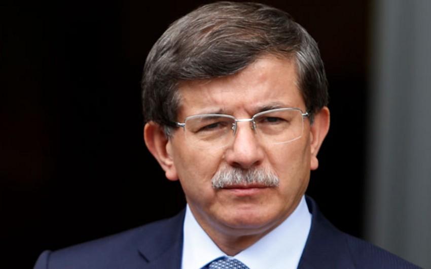 Davudoğlu: Türkiyənin Suriyaya quru qoşunları yeritmək niyyəti yoxdur