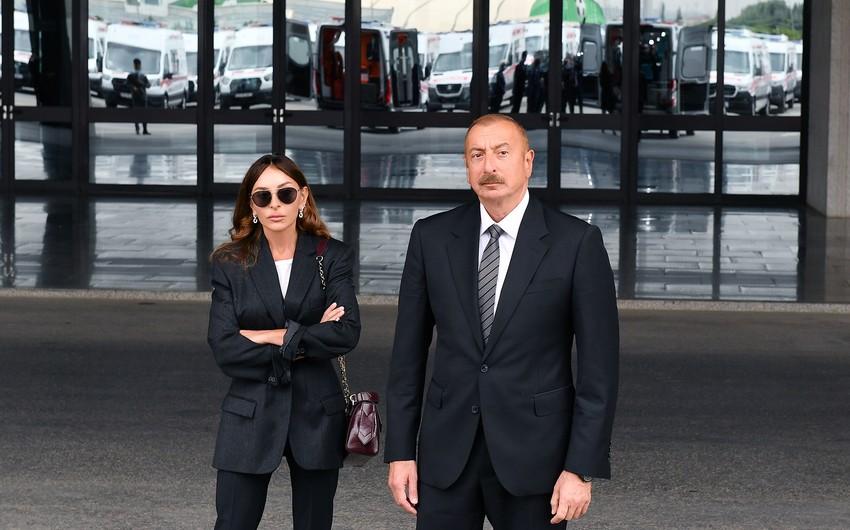 İlham Əliyev və xanımı Balaxanını gəzdi - VİDEO - YENİLƏNİB