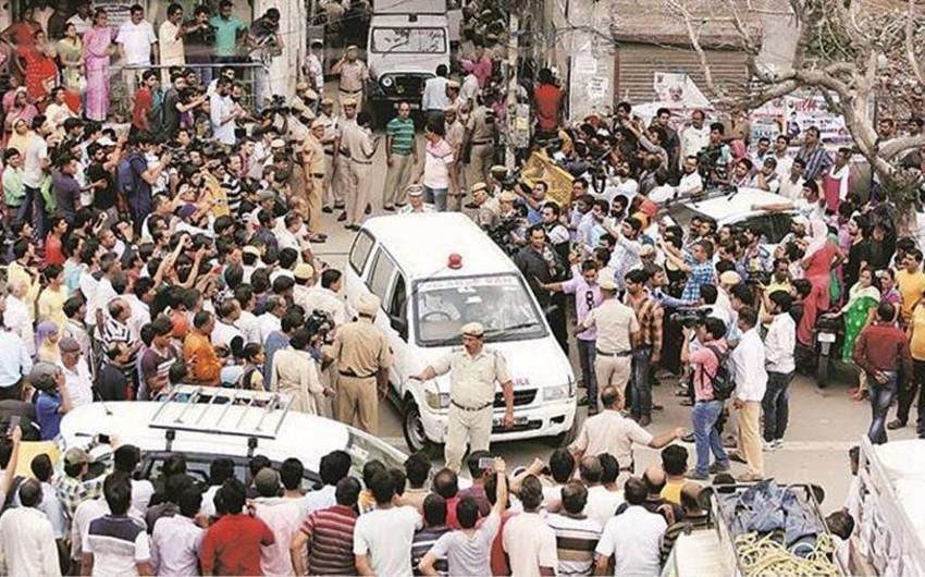 Hindistanda bir ailənin 11 üzvü asılaraq öldürülüb