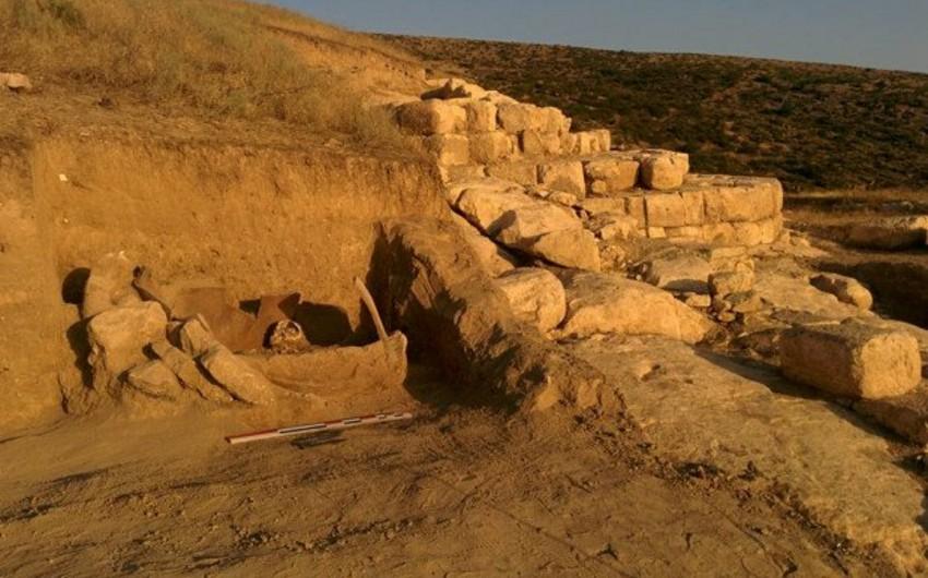Ermənilər Ağdamın Şahbulaq qalasında qanunsuz arxeoloji qazıntı işləri aparır