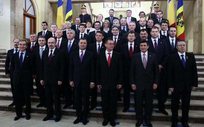 Moldova hökuməti tam tərkibdə istefa verib