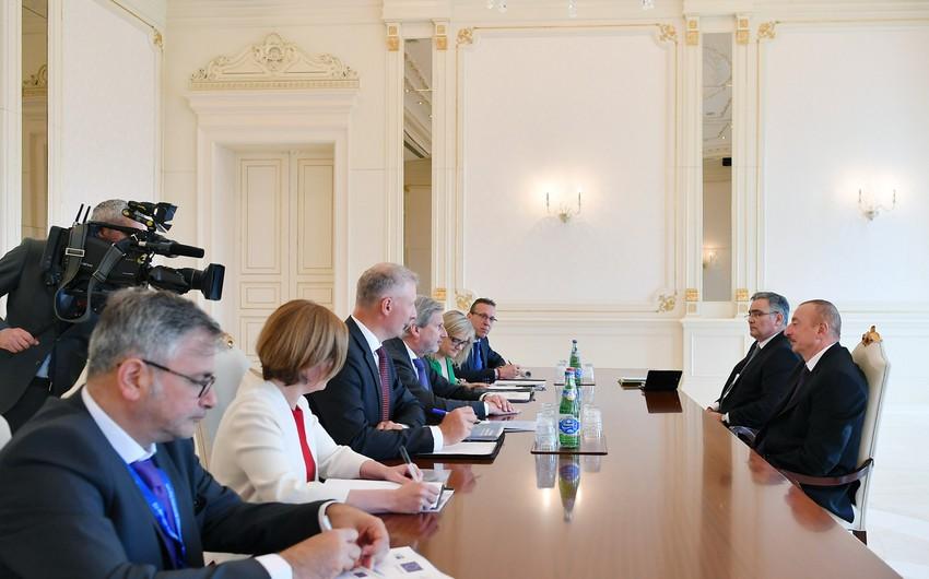 Президент Ильхам Алиев принял делегацию во главе с комиссаром Европейского союза