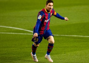 Lionel Messi 'offered unbeatable three-year contract by PSG