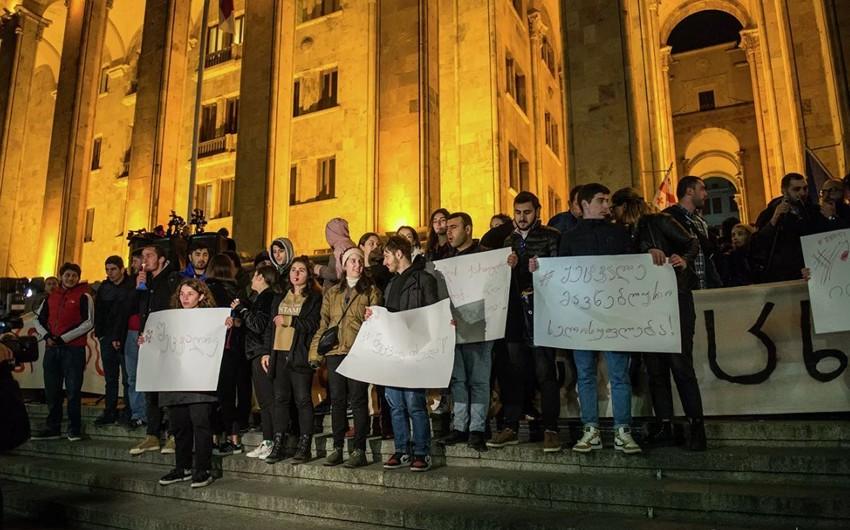 США и ЕС призвали грузинские власти и оппозицию мирно найти общий язык