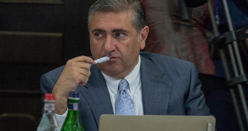 Ermənistanın sabiq naziri: Ölkəni çörək qıtlığı, bahalaşma təhlükəsi gözləyir