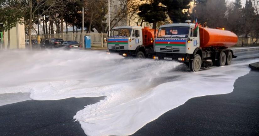 Bakı küçələrini 40 xüsusi texnika və 2 000 nəfər dezinfeksiya edir