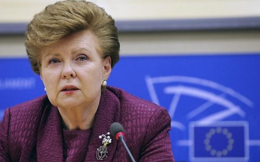 Latviyanın sabiq prezidenti: Beynəlxalq ictimaiyyət hazırkı şəraitdə dondurulmuş münaqişələri tənzimləmək iqtidarında deyil
