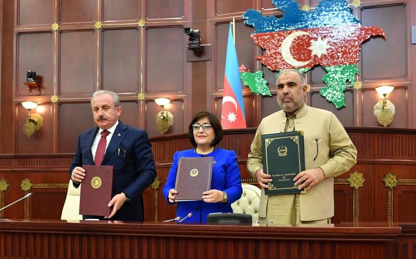 Azərbaycan, Türkiyə və Pakistan parlamentlərinin sədrləri Bakı Bəyannaməsini imzalayıb