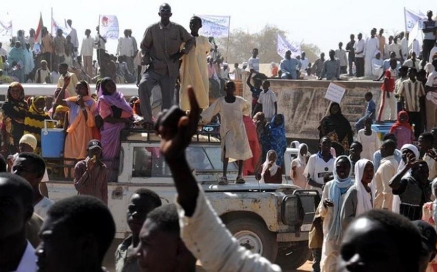 Sudan prezidenti ölkədə etiraz aksiyalarının keçirilməsini qadağan edib