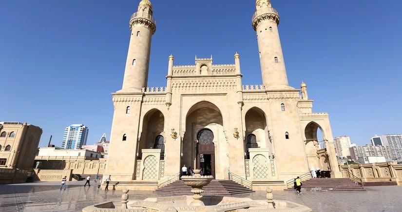 В Азербайджане обсуждают открытие мечетей