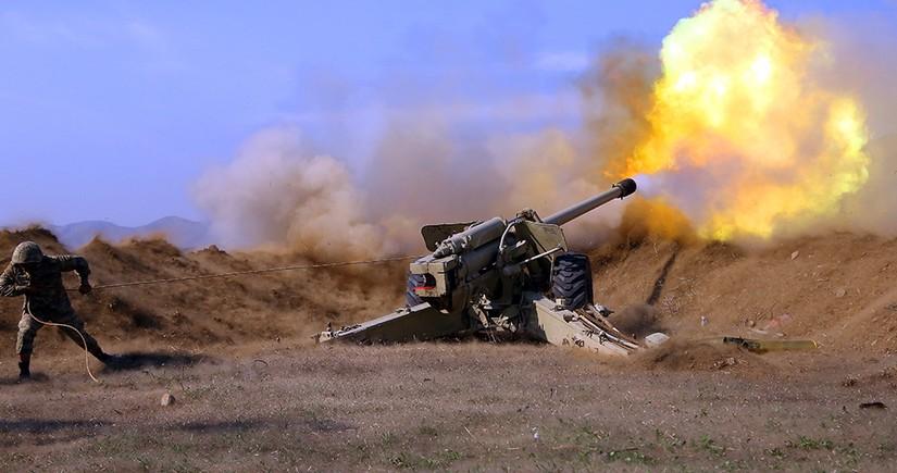 Артиллеристы продолжают наносить точные удары по огневым точкам противника