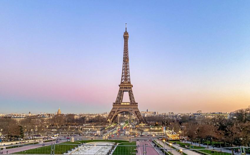 Fransa səhiyyə nazirinin evində və iş otağında axtarış aparılıb