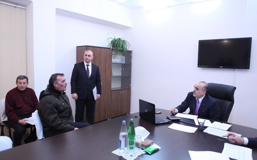Səlim Müslümov 4 rayon və şəhər üzrə vətəndaşları qəbul edib