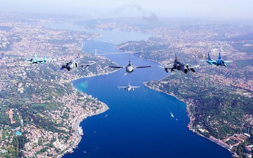 Минобороны Турции опубликовало кадры полета азербайджанских и турецких истребителей