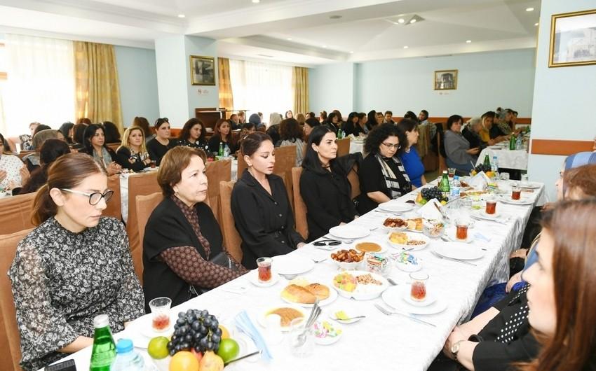 Мехрибан Алиева приняла участие в церемонии поминовения видного ученого Васима Мамедалиева