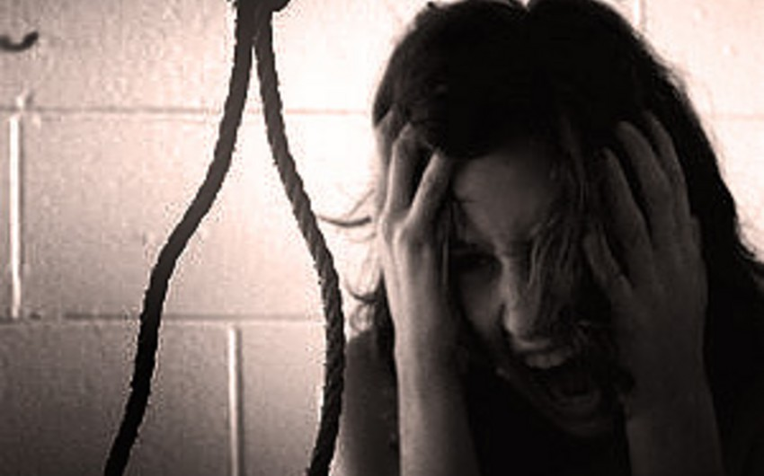 Şəmkirdə 18 yaşlı qız intihar edib