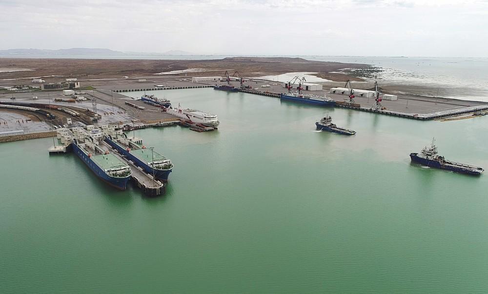 В порту Алят будет построен зерновой терминал