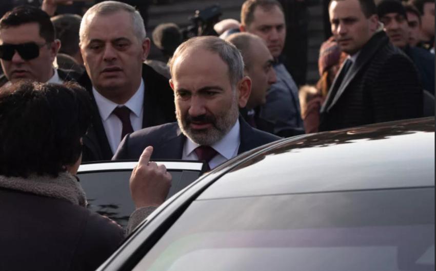 Ermənistanda etirazçılar  -