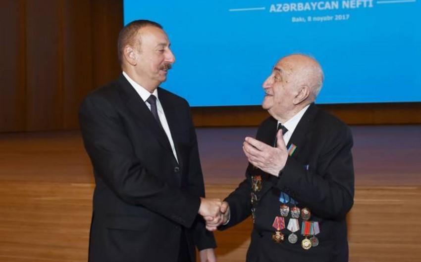 Президент подписал распоряжение о проведении 90-летнего юбилея Хошбахта Юсифзаде