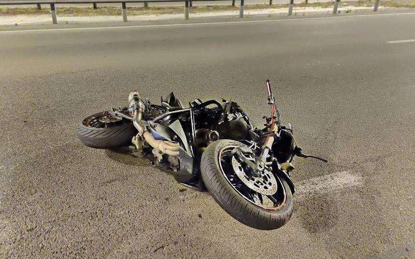 Bakıda motosiklet piyada keçidində gənci vurdu