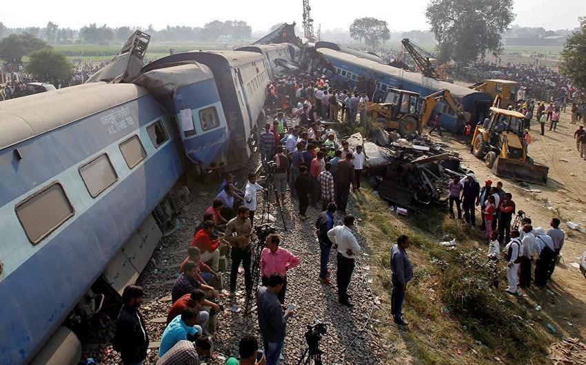 Hindistanda qatarın insanları vurması nəticəsində ölənlərin sayı 61-ə çatıb - FOTO - YENİLƏNİB - VİDEO
