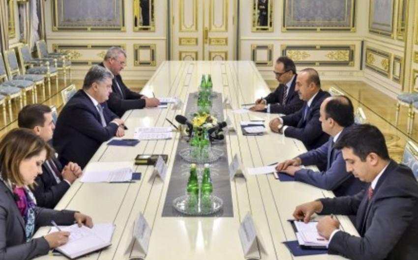 Ukrayna prezidenti Türkiyənin XİN rəhbəri ilə görüşüb